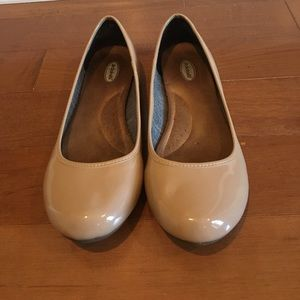 Dr. Scholls nude patent leather flats